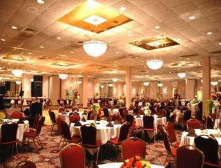 Travelodge Peoria Hotel and Conference Center