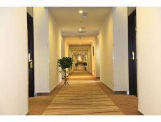 Super 8 Hotel Beijing Shuang Jing Qiao East