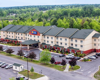 Comfort Inn & Suites adj to Akwesasne Mohawk Casin