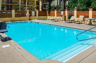 Quality Inn & Suites Destin