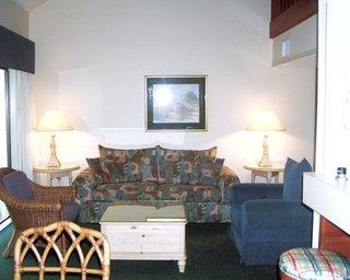Spicebush at Sea Pines Resort