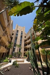 Apartamentos apartamentos leo jardines de isla canela en for Jardines isla canela