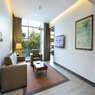 Space Apartments & Suites