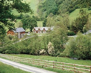 Cwm Chwefru Country Cottages