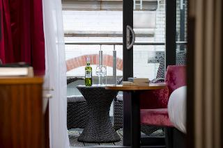 best western hotel via regia. Black Bedroom Furniture Sets. Home Design Ideas