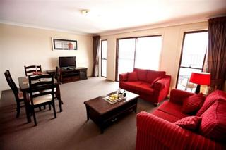 Cattlemans Country Motor Inn & Serviced Apart