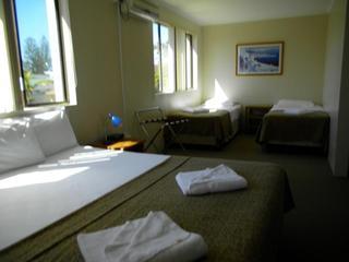 Montego Mermaid Beach Motel