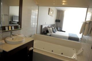 Sfera Park Suites & Convention Centre