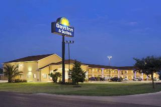 Days Inn by Wyndham Pearsall