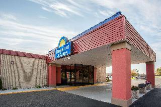 Days Inn & Suites by Wyndham Mt Pleasant