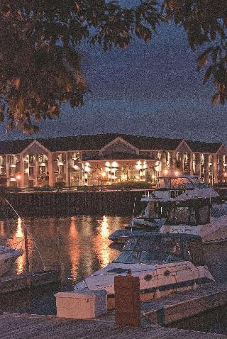 Doubletree by Hilton Racine Harbourwalk, WI