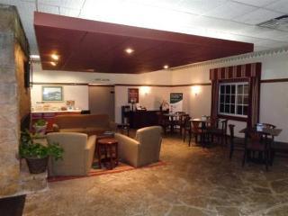 Econo Lodge Central