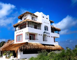 Koox El Hotelito Beach Hotel