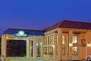 Days Inn by Wyndham Clinton NC