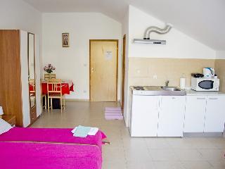 Apartments Lira