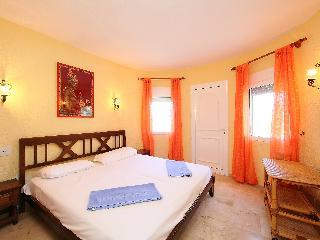 Villa Victoria - Three Bedroom