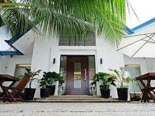 Blue Marina Hotel