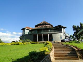 Nyungwe Top View Hotel
