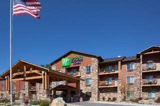 Holiday Inn Express and Suites Custer
