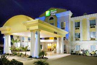 Holiday Inn Express and Suites Falfurrias