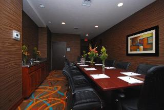 Holiday Inn Express and Suites Gonzales