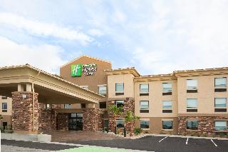 Holiday Inn Express and Suites Pahrump