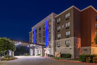 Holiday Inn Express and Suites Mesquite