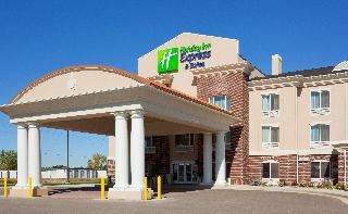 Holiday Inn Express and Suites Minot South