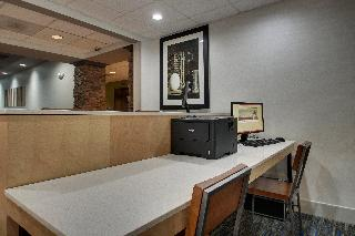 Holiday Inn Express and Suites Middleboro Raynham