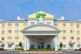 Holiday Inn Express and Suites Watertown Thousand