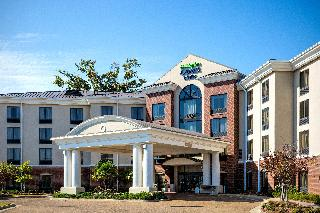 Holiday Inn Express and Suites Jackson Flowood