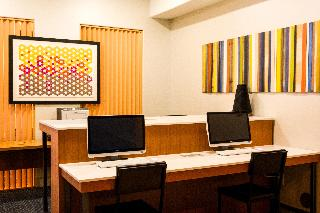 Holiday Inn Express and Suites New Boston