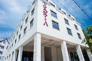 Arnia Hotel