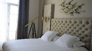 Grand Hotel des Sablettes Plage, Curio by Hilton