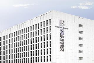 Lucebridge Hotel