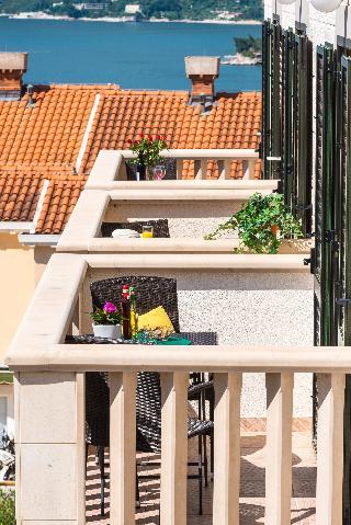 Apartments & Rooms CINA