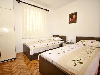 Apartments Snjezana