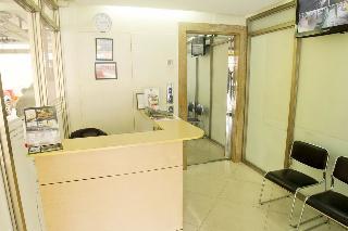 ZEN Rooms Basic Dian St. Makati