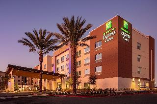 Holiday Inn Express & Suites Moreno Valley-Riversi