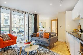 Luxurious Canary Gateway Serviced Apartment