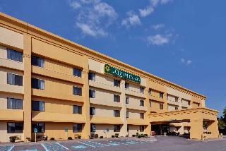 La Quinta Inn Suites By Wyndham Plattsburgh