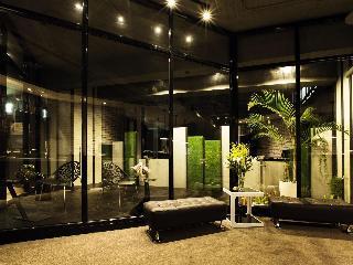 QUEEN HOTEL II