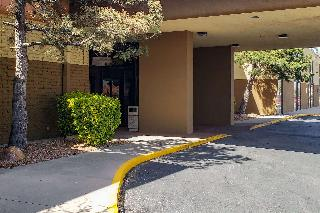 Clarion Inn & Suites Roswell
