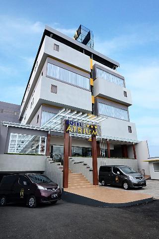 芝拉紮中心高級酒店