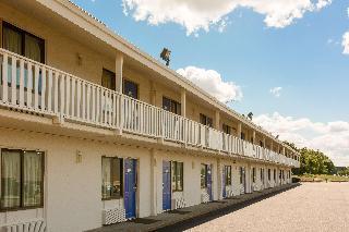 Motel 6 Leominster, Ma