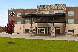 Holiday Inn Express and Suites Beaver Dam