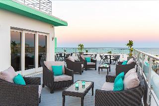 Streamline Hotel