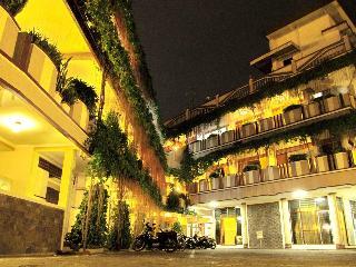 Lestari Hotel Resto