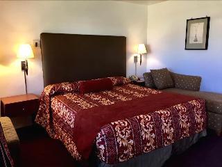 Maple Inn Suites