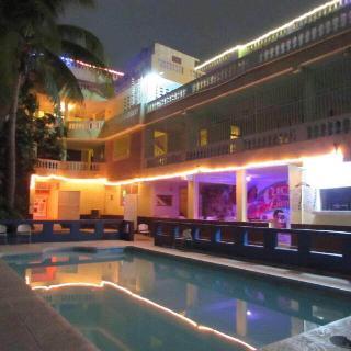 Detente Du Cacique Villa Hotel